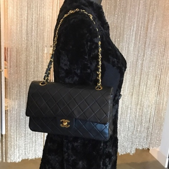 78f2a19a3b20 CHANEL Handbags - Auth CHANEL Classic M/L Lambskin 24k Double Flap